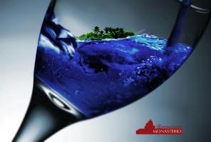 copa de vino azul